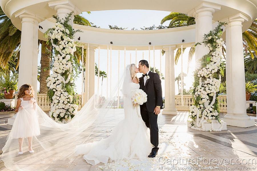 Non Traditional Wedding Dresses Los Angeles: Santa Fe Wedding Photographer